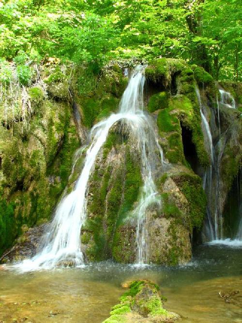 Cascada Beusnitei, Cheile Nerei