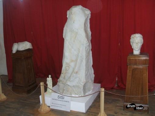 Bustul in statuia actuala