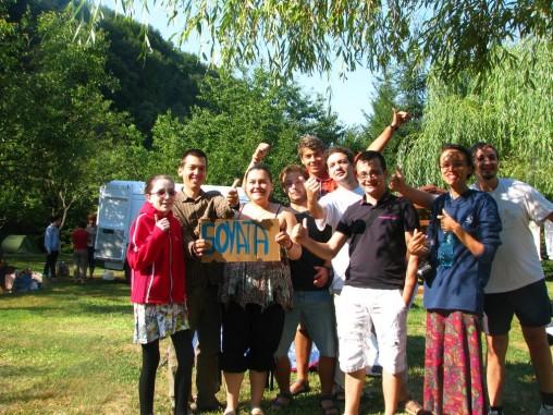 Întâlnirea Autostopiștilor din România 2012 - poză cu o parte dintre participanți (lipsesc Rozsa, Daniel și Roxana)