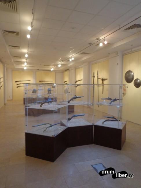Expoziția cu arme albe și de foc, Muzeul Olteniei