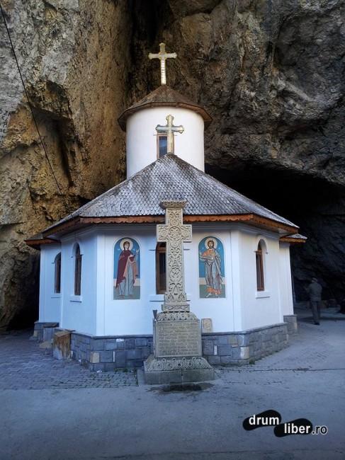 Biserica veche