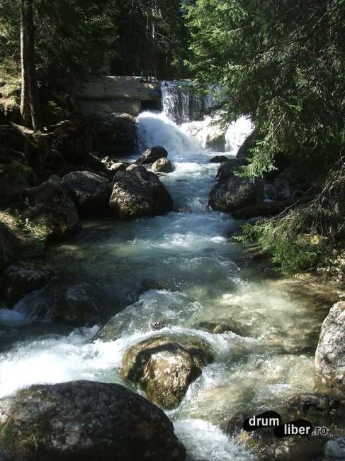 Cădere de apă (2)