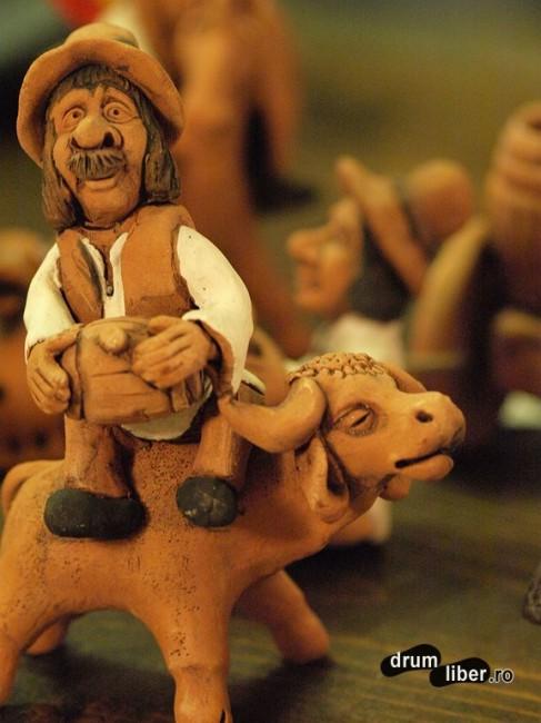 Ceramică decorativă - reproduceri de țărani reali