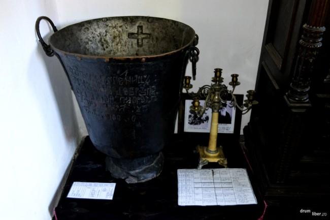 Cristelnița în care a fost botezat poetul