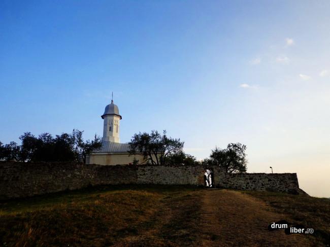 Dealul spre mănăstire