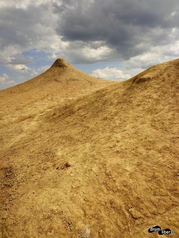 Vulcanii Noroioși Pâclele Mari
