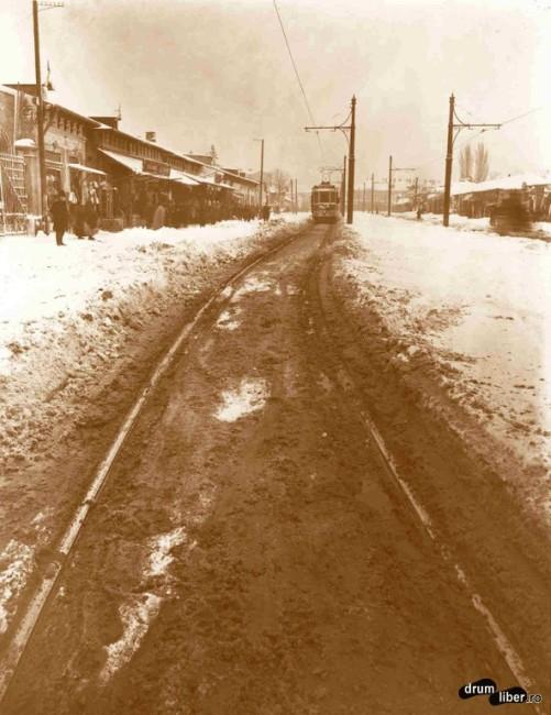 Linia de pe Ștefan cel Mare curățată de zăpadă cu tramvaiul (1926)