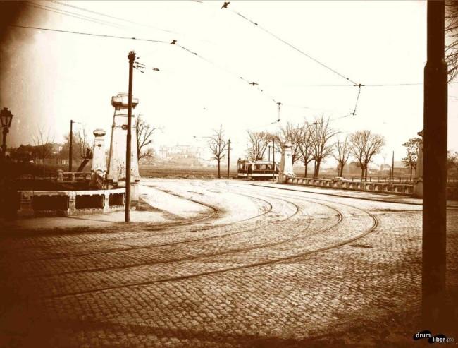 Circulația vagoanelor electrice pe podul Regele Ferdinand (1925)