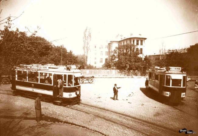 Două tramvaie la capătul liniei