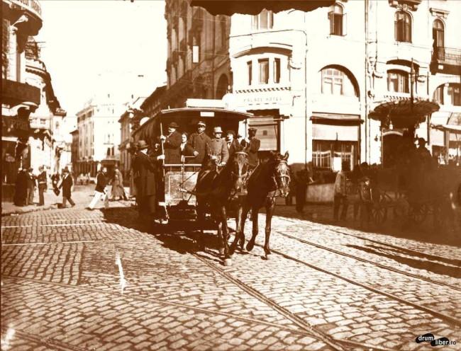 Tramvai cu doi cai - Hotel Palace, intersecția Bdului Elisabeta cu str. Brezoianu