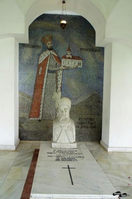 Mormântul votiv al ctitorului, Constantin Brâncoveanu