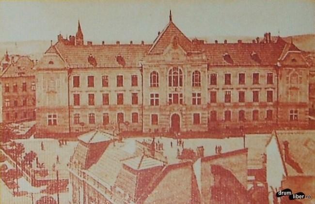 Fostul gimnaziu romano catolic ridicat 1905 astazi Colegiul National Unirea - foto 1923