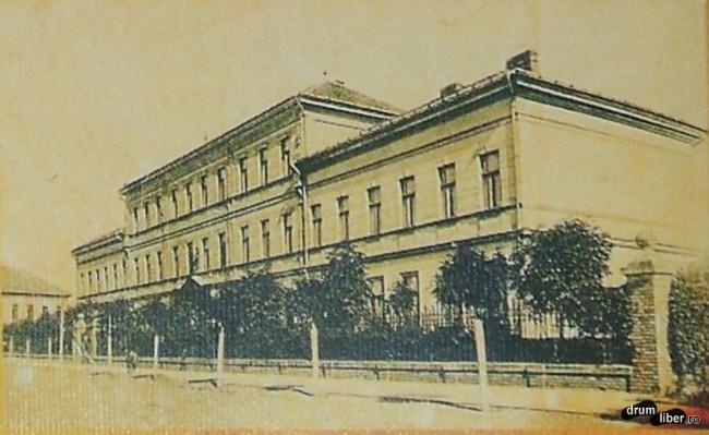 Liceul Avram Iancu fosta scoala de arte si meserii - foto 1923