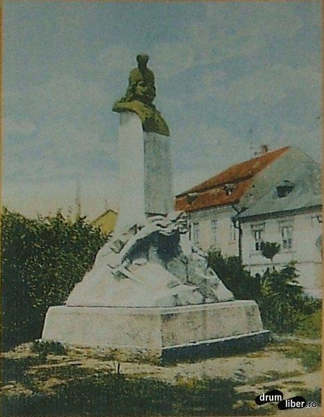 Statui care nu mai exista principele Transilvaniei Rakoczi Ferencz al doilea - foto 1916