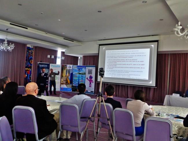 Petruș Lungu vorbind despre tehnologii mobile și aplicații din turism