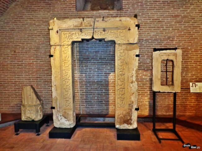 Portalul de la Biserica Ienii, prima dărâmată de Ceaușescu