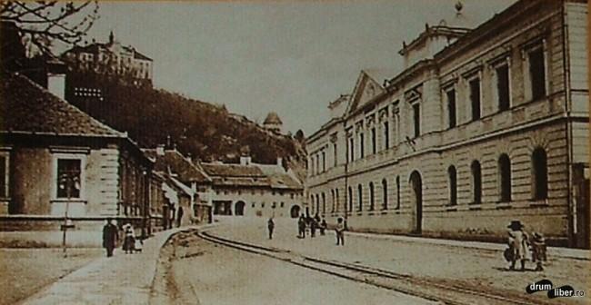 Fosta instanță districtuală și calea ferată îngustă care trecea prin oraș - 1910