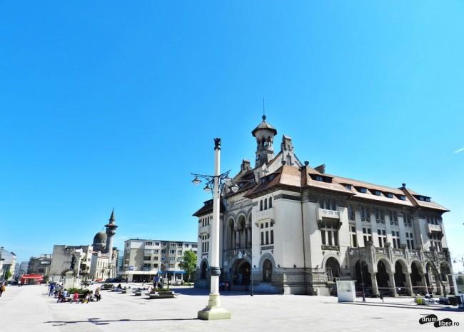 Piața Ovidiu și Muzeul de Istorie și Arheologie