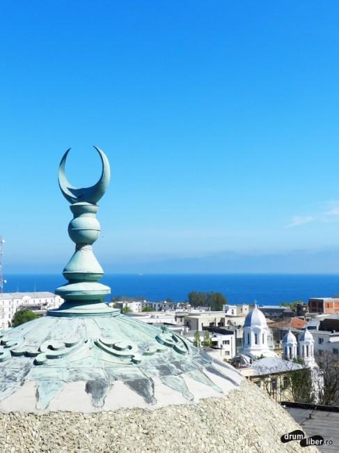 Vedere din minaretul Moscheii Carol I