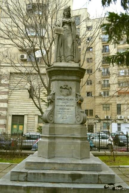 Statuia domniței Bălașa