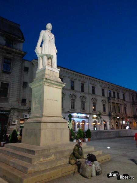 Statuia lui Spiru Haret (Piața Universității)