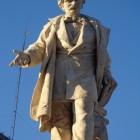 Statuia lui Ion Heliade Rădulescu (Piața Universității)