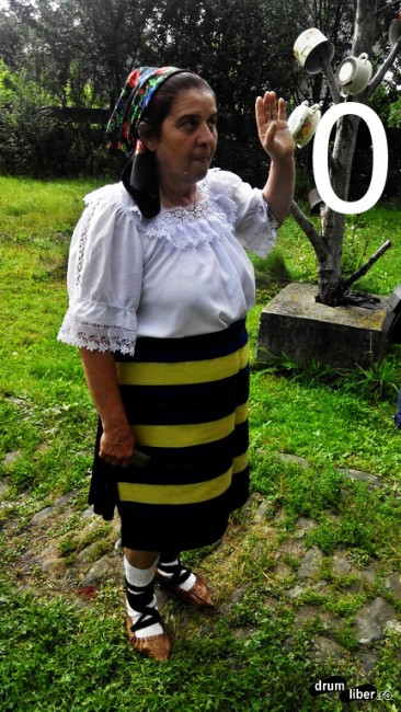 Fermecătoarea doamnă Maria de la Muzeul Țărăncii Române Maramureșene