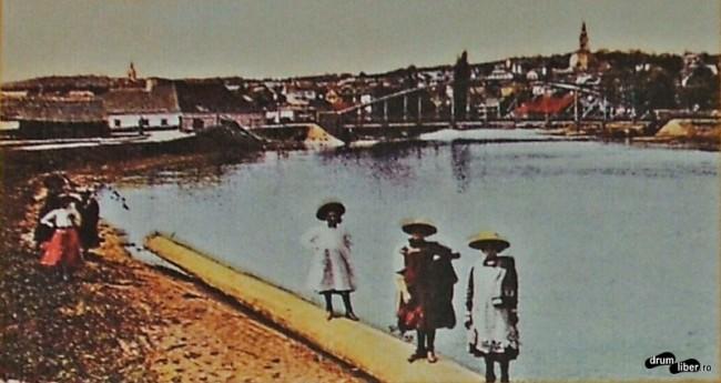 În 1923 era deja constuit un pod modern peste Mureș