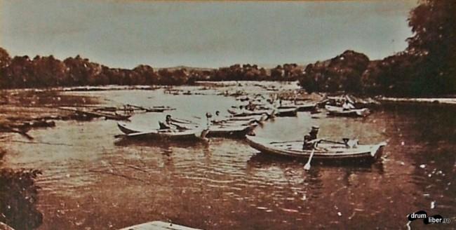 Plimbări cu barca în 1915 - poze vechi Reghin