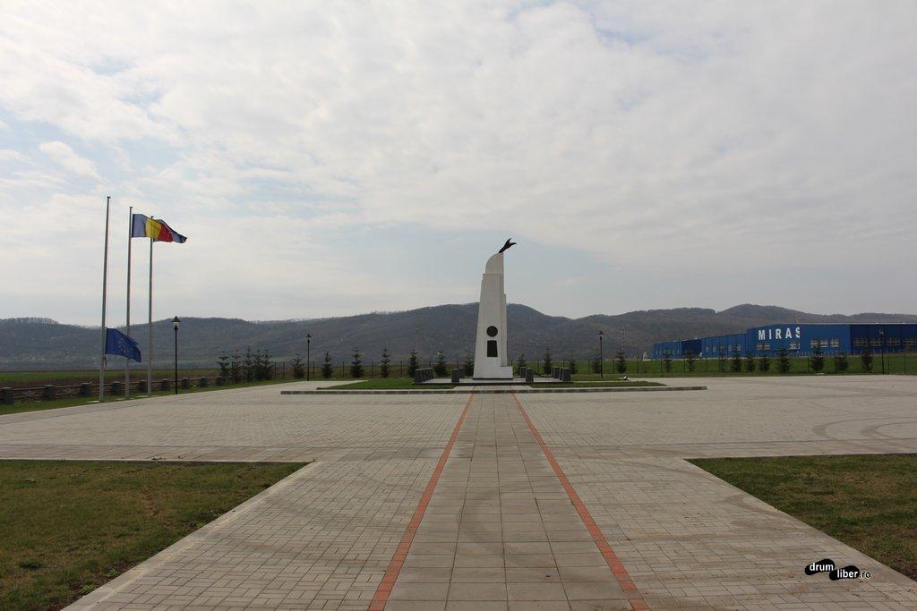 Monumentul lui Aurel Vlaicu de la Bănești