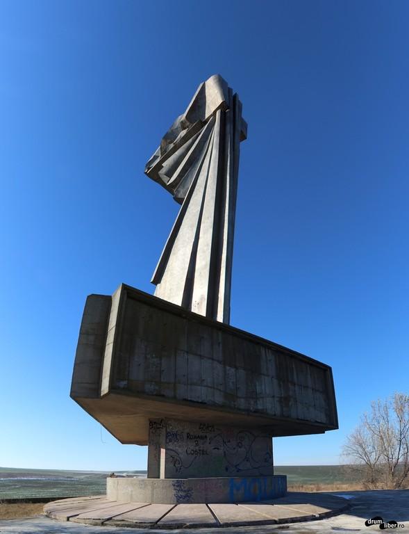 Îngerul Căzut sau Monumentul Tineretului