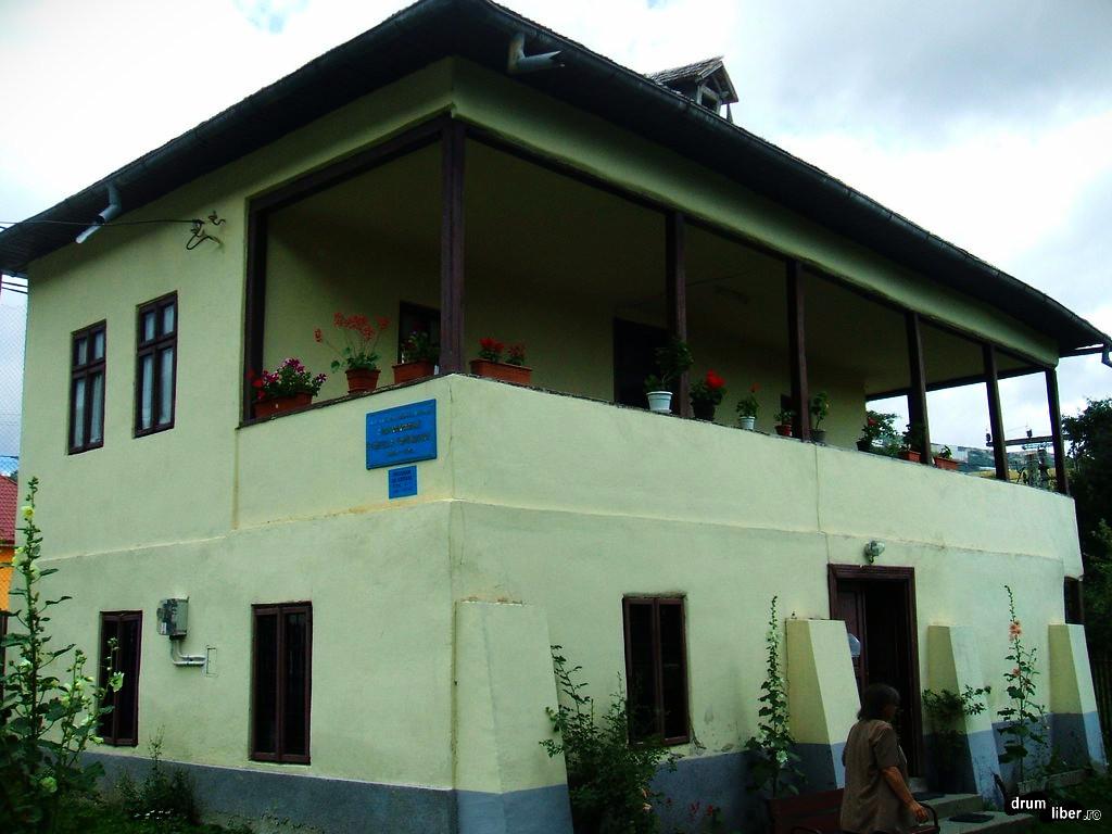 Casa Memorială George Topârceanu din Mălăești